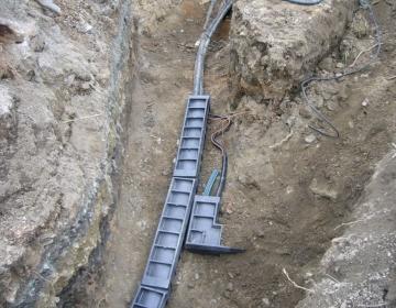 Kaablite ja juhtmete ühendamine pinnases