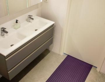 WC tualettruumi põrandamatt rullis 1
